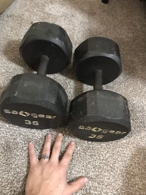 35# dumbbell set. Mild use. for Sale in Dallas, TX