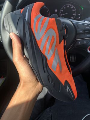 Yeezy 700 for Sale in Los Angeles, CA