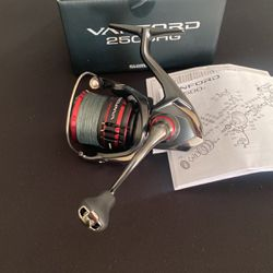 Shimano Vanford 2500HG Spinning Reel Fishing for Sale in San Diego,  CA