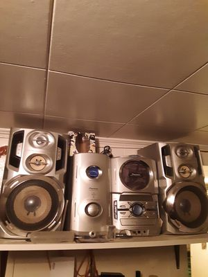 Pioneer stereo CD player with subwoofer for Sale in Nashua, NH