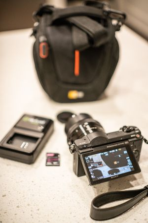 Sony A5100 for Sale in Tomball, TX
