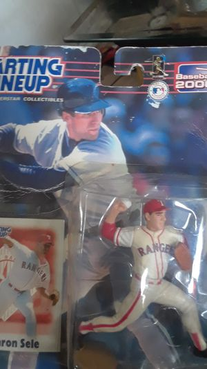 Starting lineup Sports Superstar Collectibles Baseball 2000 Aaron seal action figure for Sale in San Leon, TX