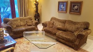 Sofa and loveseat - very good condition , clean couch for Sale in Woodland Hills, CA