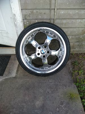 Giovanni rims and tires for Sale in Winter Haven, FL