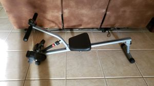 Rowing machine - looks new for Sale in Kissimmee, FL