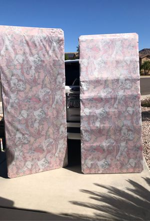 King size box spring thin style for Sale in Peoria, AZ