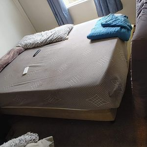 Queen adjustable bed for Sale in Canby, OR