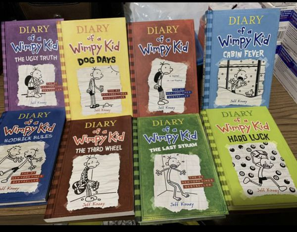 dairy of a wimpy kid books (set)