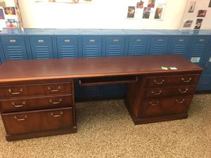 Office Furniture (Best Offer) for Sale in Chicago, IL