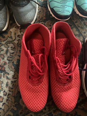 3 pairs of shoes all of them great condition for Sale in Pittsburg, CA