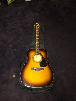!Yamaha F335 acoustic guitar! for Sale in Cross Roads, TX
