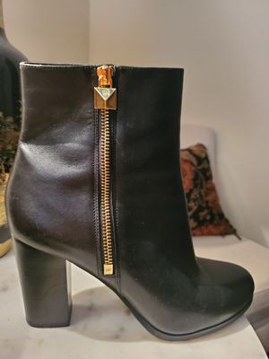 Michael Kors Boot size 9 for Sale in Fayetteville, NC
