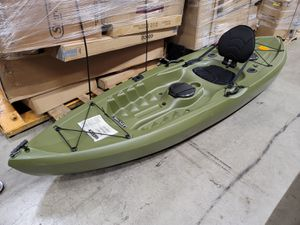 LIFETIME TAMRACK KAYAK WITH PADDLE (READ THE DESCRIPTION) $200 FIRM FIRM FIRM for Sale in Redlands, CA