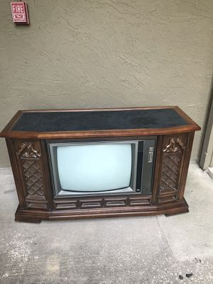Make an offer. 1973 RCA T.V. Measurements 53 in L, 21in W, 30in H. for Sale in Mesquite, TX