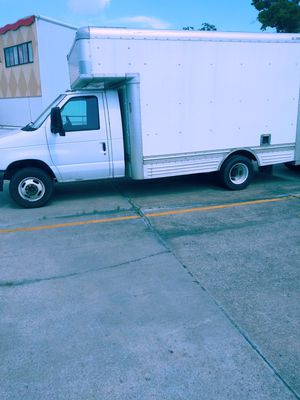 (1)15 an (2) 17 feet moving an company trucks for Sale in Columbia, MO