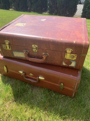 Vintage suitcases for Sale in Marysville, WA