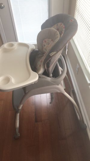 High chair/ Booster Seat for Sale in Owings Mills, MD
