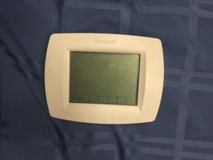 Honey well programmable thermostat for Sale in Las Vegas, NV