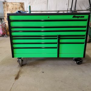 "68"" Snap On Tool Box, Led Drawer Light With Powertop for Sale in Dublin, OH"