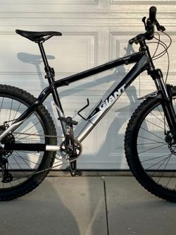 Giant Mountain Bike for Sale in Los Angeles,  CA