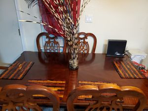 Comedor madera pura de 6 sillas en buenas condiciones for Sale in Hayward, CA