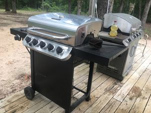 Char Broil grill for Sale in Van, TX