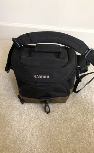 Canon Deluxe Gadget Bag 100EG for Sale in Sterling, VA