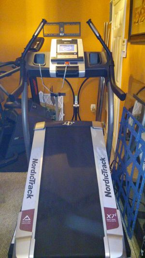 NordicTrack Incline Trainer X7i Treadmill for Sale in Fairfax, VA