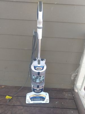 Shark professional rotator vacuum cleaner for Sale in College Park, GA