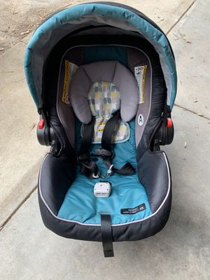 Graco Snugride Click Connect 35 car seats for Sale in North Chesterfield, VA
