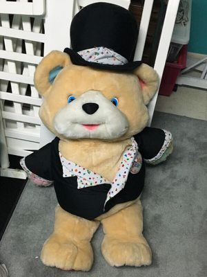 Giant Stuffed Animal Bear for Sale in Lanham-Seabrook, MD