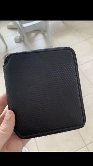 Marc Jacobs new black wallet for Sale in Cooper City, FL