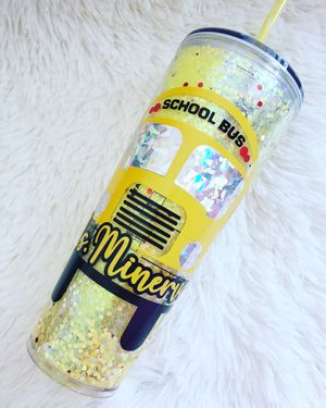 24 oz floating glitter tumbler for Sale in El Cajon, CA