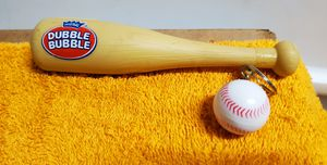 Original DOUBLE BUBBLE BUBBLE GUM TOY BASEBALL BAT With BASEBALL KEY RING ! for Sale in San Diego, CA