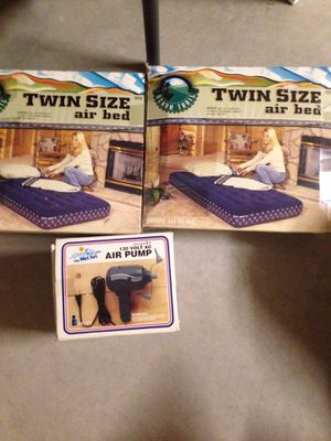 two twin air bed and air pump for Sale in Yuma, AZ