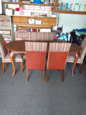 Like new, Dining room 6 very comfy chairs for Sale in Kent, WA