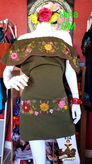 Vestidos bordado a mano. Mexicano for Sale in Phoenix, AZ
