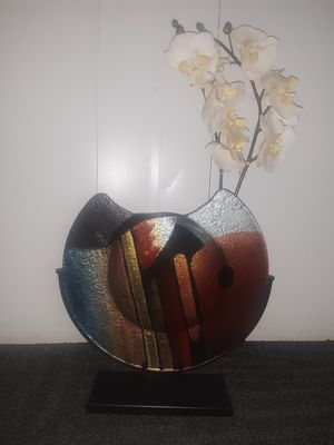 decorative ornate glass flower vase for Sale in Thousand Oaks, CA