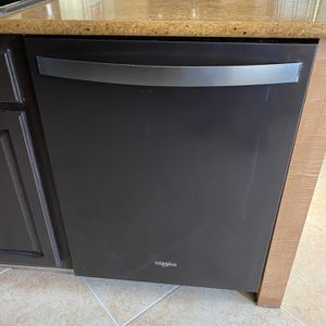 Excellent Black Stainless Whirlpool Dishwasher for Sale in Las Vegas, NV