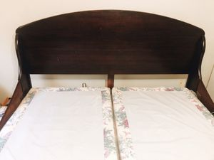 ESPRESSO WOOD KING BED FRAME for Sale in Amarillo, TX
