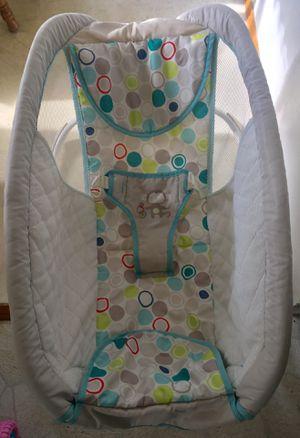 STEP 2 SOFT ROCKING CRADLE for Sale in Peoria, IL