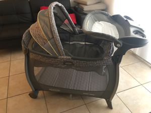 """Graco pack and play"""" like new! for Sale in HALNDLE BCH, FL"""