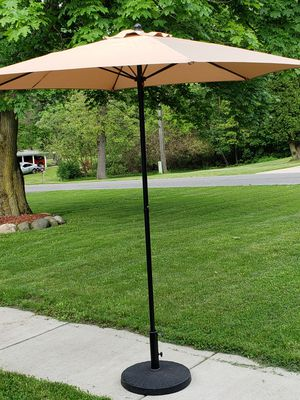 Outdoor umbrella with stand for Sale in Battle Creek, MI