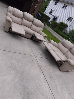 Reclining set for Sale in Cleveland, OH