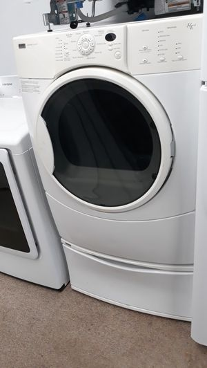 Front load Electric dryer excellent condition for Sale in Laurel, MD