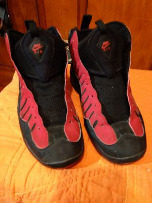 Nike air bakin shoes red flag men's size 12 for Sale in Takoma Park, MD