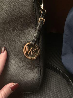 Michael Kors Black/Gold Crossbody purse for Sale in Anaheim, CA
