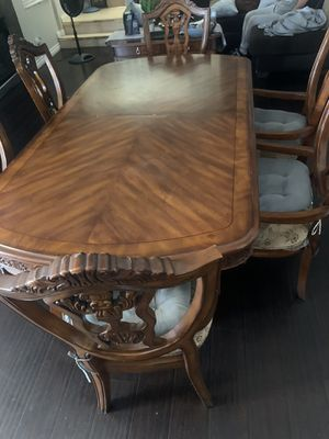 Dinning / Kitchen Table Set 6 piece for Sale in North Las Vegas, NV
