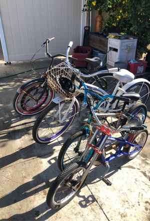 2 beach cruisers and 2 kids bikes w/ attachment for Sale in Chino Hills, CA