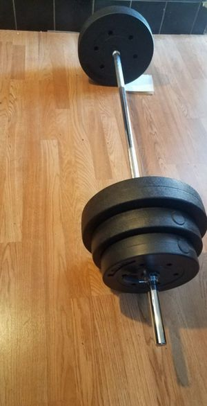 """5ft Standard barbell 1"""" with spin locks and 100lbs weight set 4x20lbs 2x10lbs for Sale in Montebello, CA"""